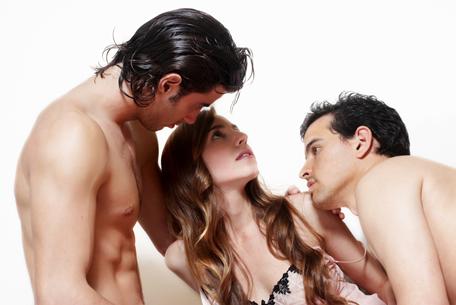 Ménage ou sexo a 3