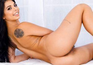 Gina Valentina - Uma brasileira no Reality Kings